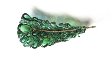 2020_black_label_masterpiece_iii_green_plumule_brooch.jpg