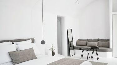 OMMA Santorini Room