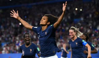 France defender Wendie Renard celebrates after scoring the retaken penalty against Nigeria