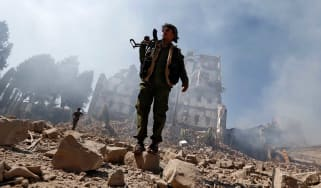 Yemeni rebels to airlifted for medical treatment ahead of peace talks