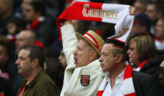 Johnny Rotten cheers Arsenal