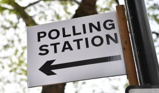 wd-polling_station_-_ben_stansallafpgetty_images.jpg