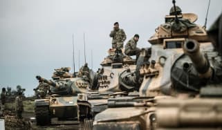 Turkish tanks massing at the border with Syria