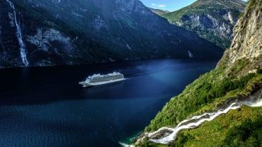 viking_cruises_-_viking_sky_in_norway_4.jpg