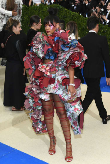 """NEW YORK, NY - MAY 01:Rihanna attends the """"Rei Kawakubo/Comme des Garcons: Art Of The In-Between"""" Costume Institute Gala at Metropolitan Museum of Art on May 1, 2017 in New York City.(Photo b"""