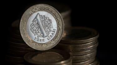 A 1 Turkish lire coin