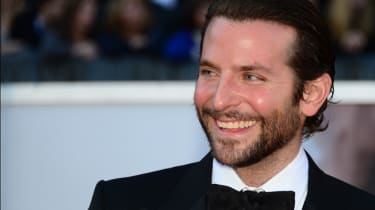 Best Actor nominee Bradley Cooper arrives on the red carpet for the 85th Annual Academy Awards on February 24, 2013 in Hollywood, California. AFP PHOTO/FREDERIC J. BROWN(Photo credit should r