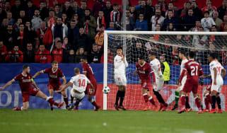 Guido Pizarro Sevilla Liverpool Champions League