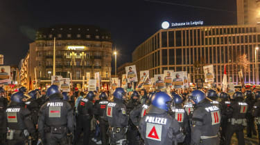 German riot police clash with Querdenker protesters in Leipzig