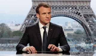 French president Emmanuel Macron says he has convinced Trump to stay in Syrian conflict