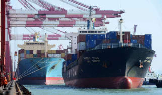 140613_container_ship.jpg