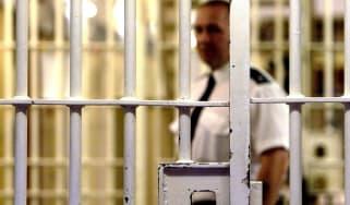 wd-prison_officers.jpg