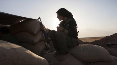 Fighter of the Kurdish of the Kurdish Women's Defense Units